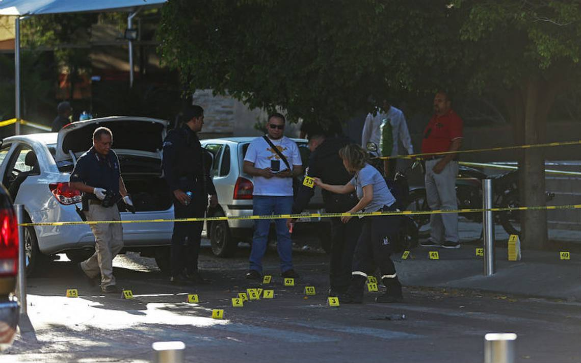 Muere uno de los seis detenidos por ataque contra exfiscal de Jalisco