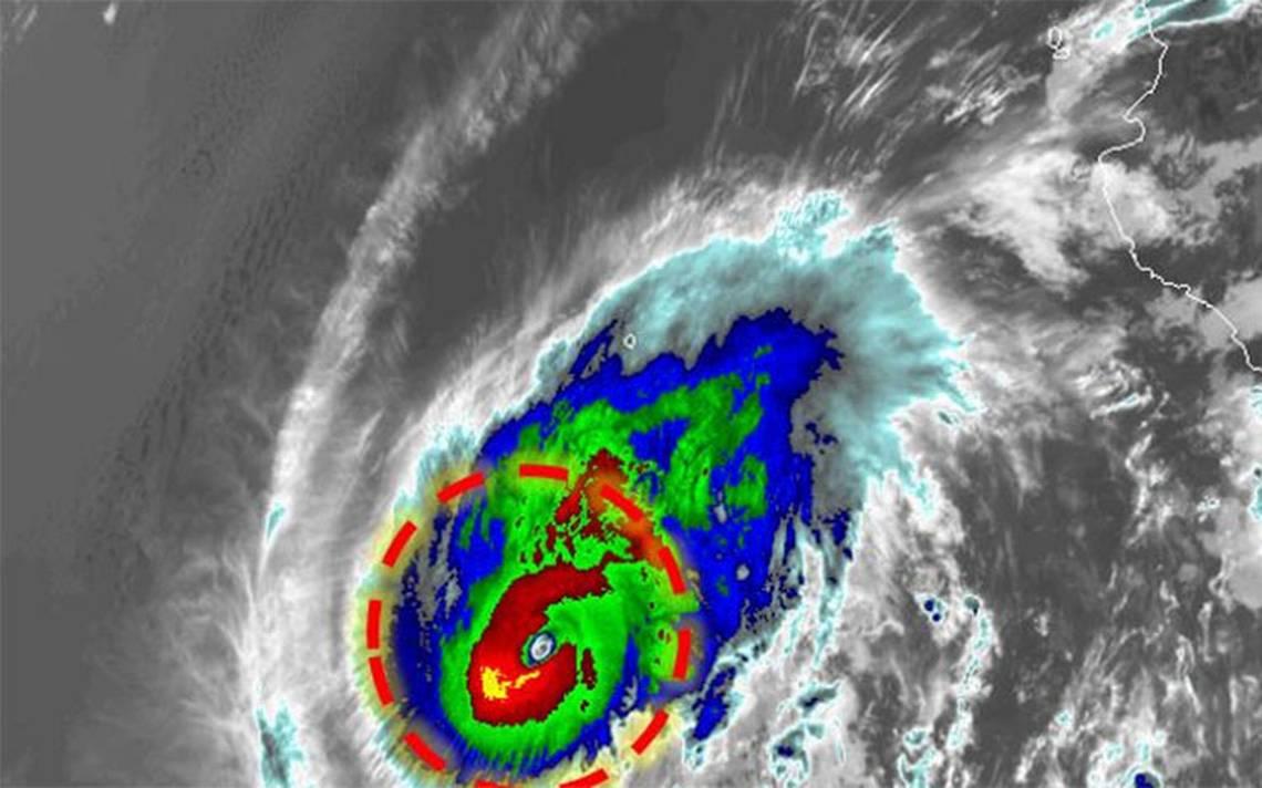 Huracán Aletta se fortalece y se convierte en categoría 4