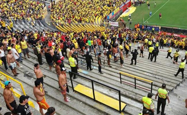 Riña durante partido de futbol deja 40 heridos en Ecuador