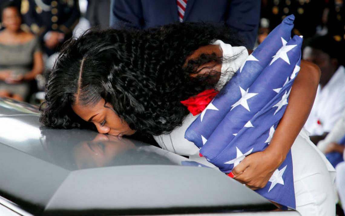 Trump me hizo llorar: viuda de soldado muerto en Níger