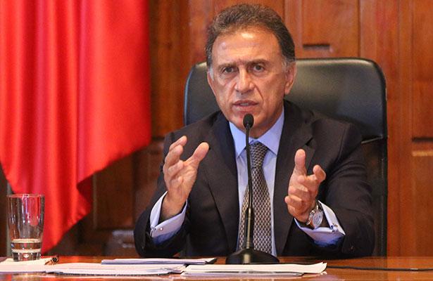 Critica Miguel Ángel Yunes a alcaldes