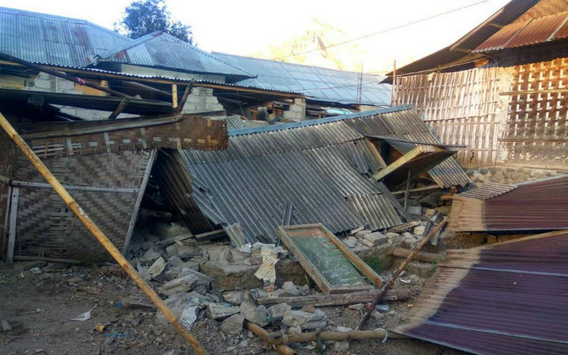 Sismo de magnitud 6.4 deja 14 muertos en Indonesia