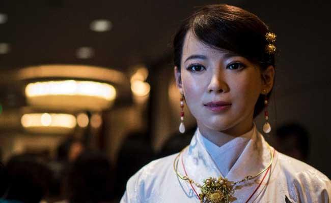 Conoce a Jia Jia, la primera robot humanoide de China