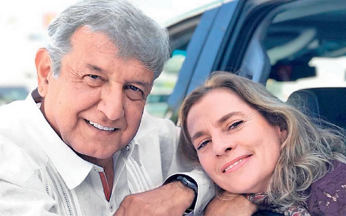 Beatriz Gutiérrez, la mujer que se acerca a Los Pinos de la mano de AMLO
