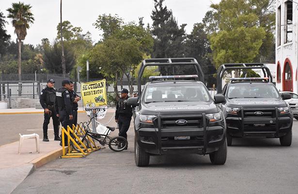Un encobijado se encontraba encima de un diablito de carga en Ecatepec, Estado de México.