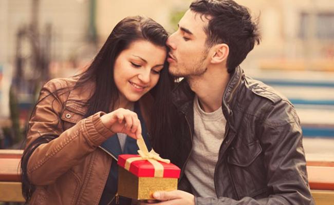 Evita estos regalos para que no truenen en San Valentín