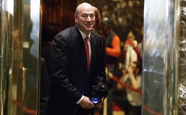 Asesor económico de Trump dice que Fed está haciendo un buen trabajo