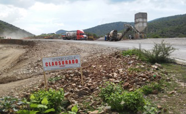 Profepa clausura obra carretera en Querétaro; SCT afecta zona boscosa