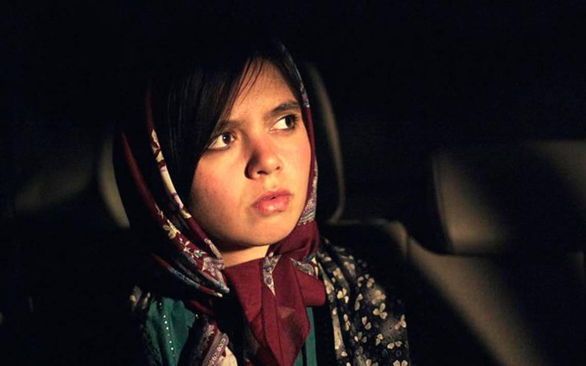 """Filme iraní """"Tres caras"""" destaca en Cannes; la francesa Hijas del Sol, insignificante"""