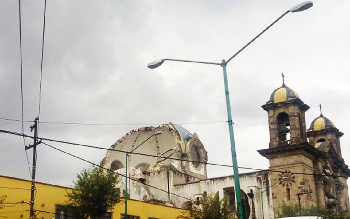Colapsa cúpula de iglesia en la colonia Guerrero tras sismo
