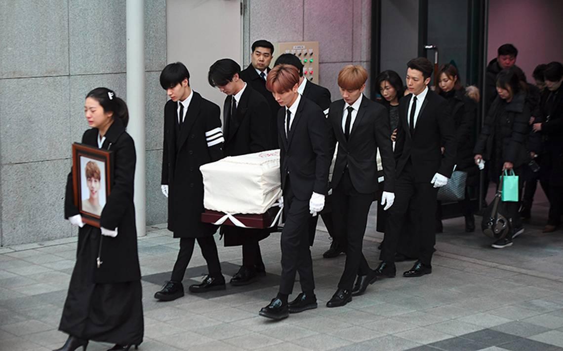 Despiden al exvocalista Kim Jong-Hyun