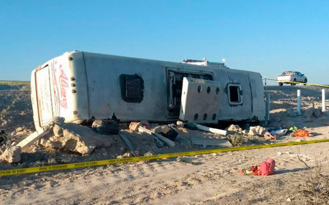 Volcadura en Coahuila deja 7 muertos; buscan a familiares de menores