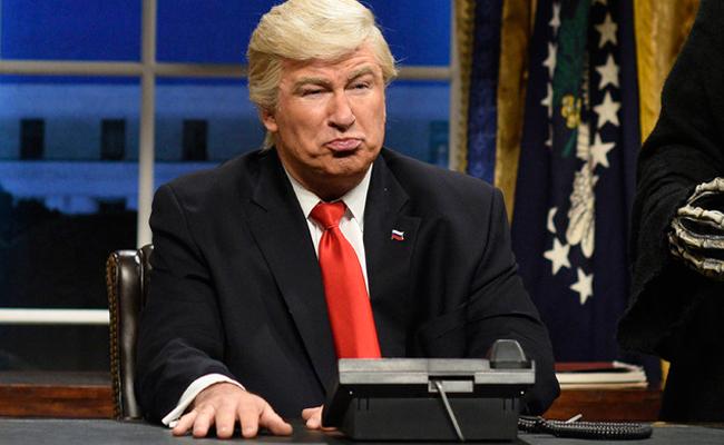 Imitar a Trump revivió mi carrera humorística: Baldwin