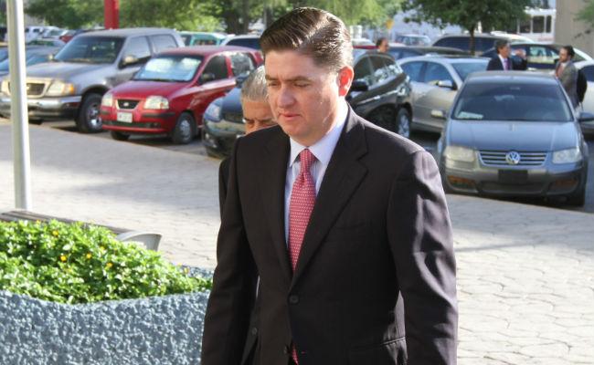 Posponen audiencia a Rodrigo Medina; se ampara para evitar ser detenido