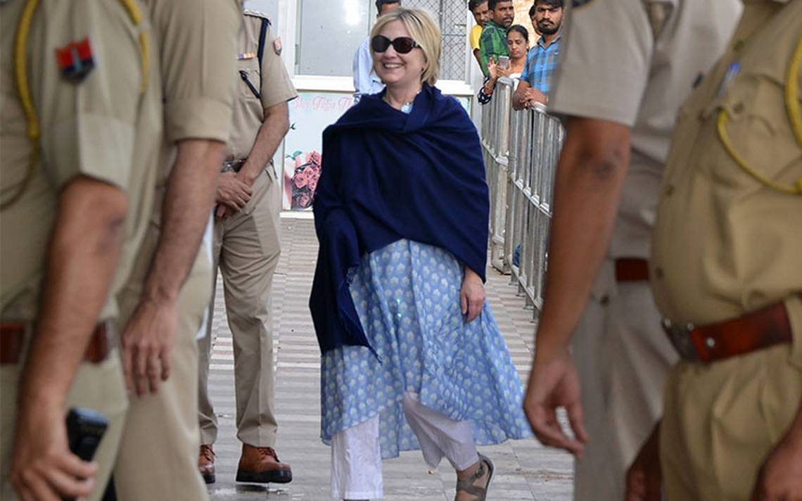 Hillary Clinton sufre fractura de muñeca durante viaje a la India