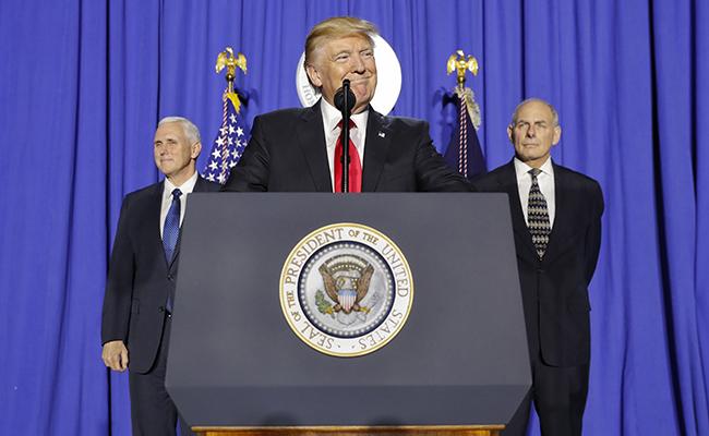 De inmediato se inicia la construcción del muro fronterizo: Trump
