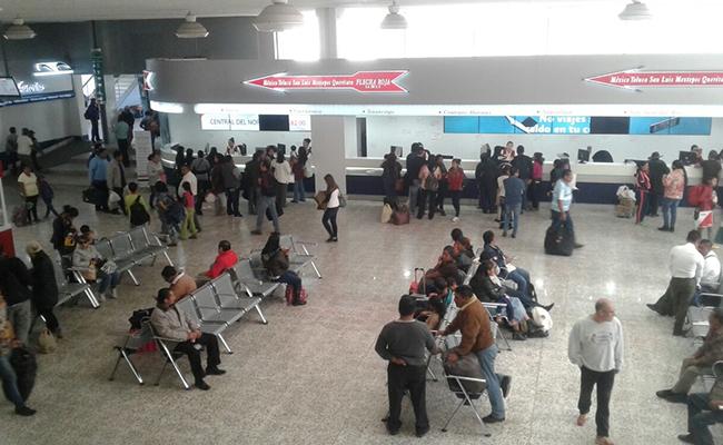 Por bloqueos, suspenden corridas en Toluca para la CDMX