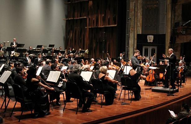 Dedica conciertos al centenario de la Constitución mexicana