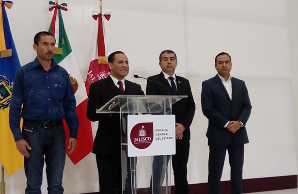 Restituyen a alcalde de Villa Corona; buscan al usurpador
