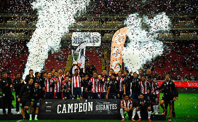 Chivas se llevó el duelo de Gigantes; ganó 5-3 a Boca