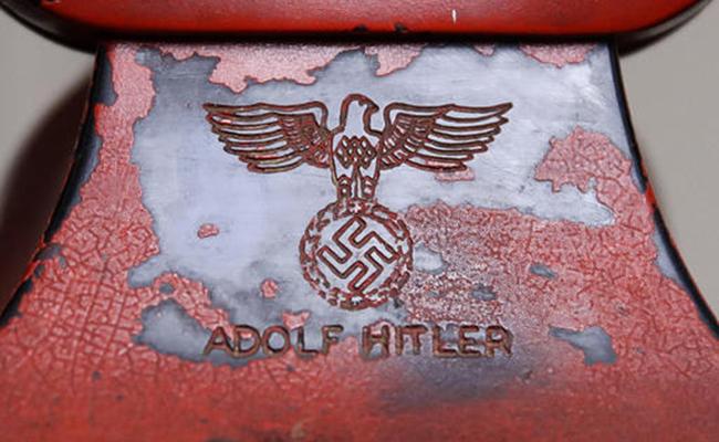 Subastan en 243 mil dólares el artículo más mortífero de Hitler