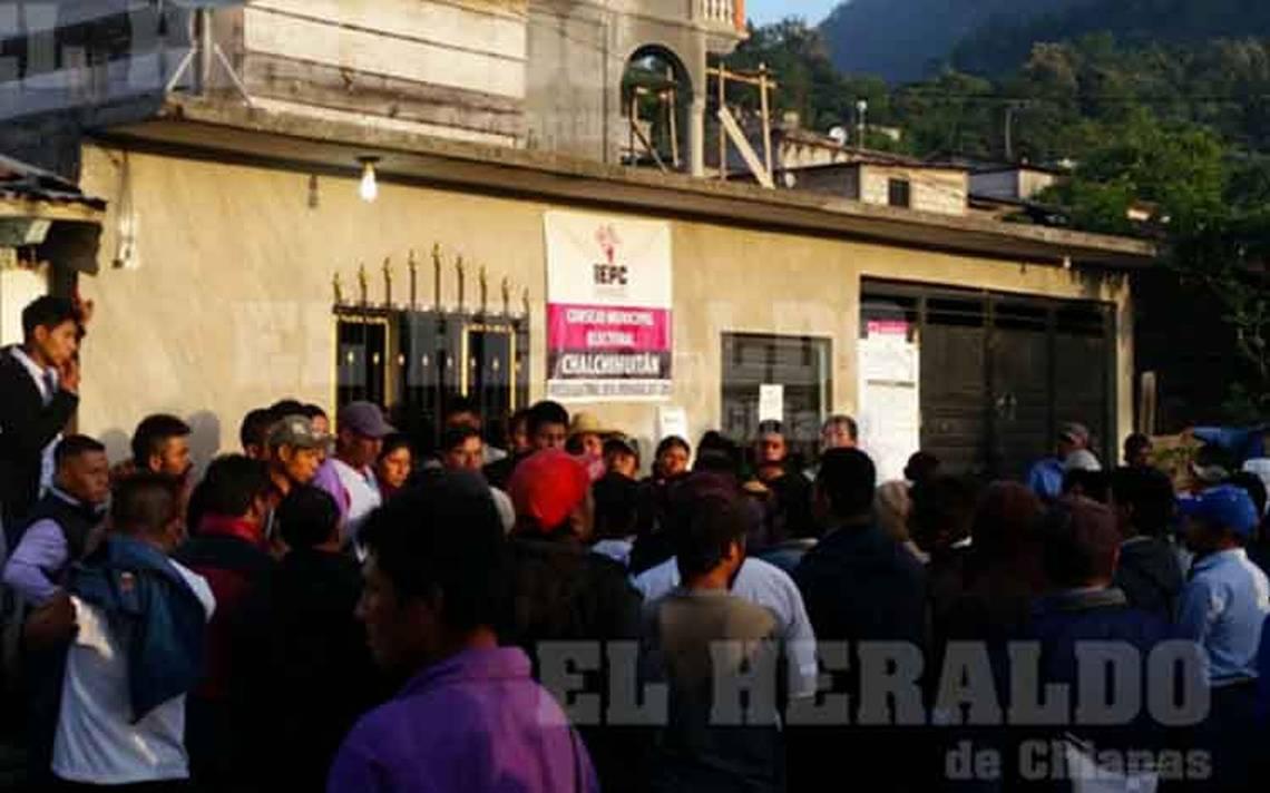 Continúa la violencia postelectoral, ahora roban urnas y saquean el IEPC en Chiapas
