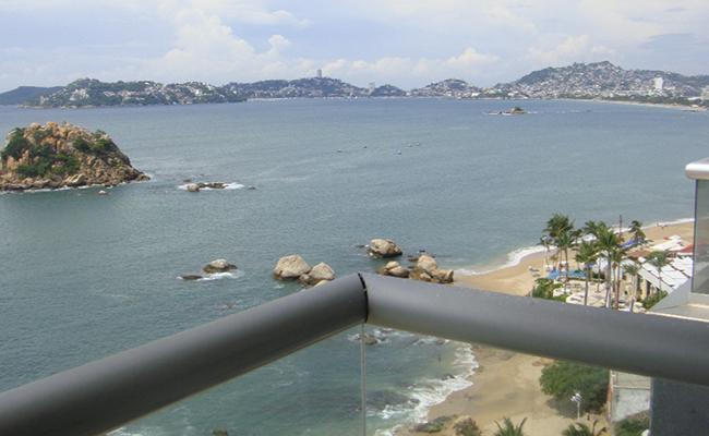 Investigan homicidio de pareja en puerto de Acapulco