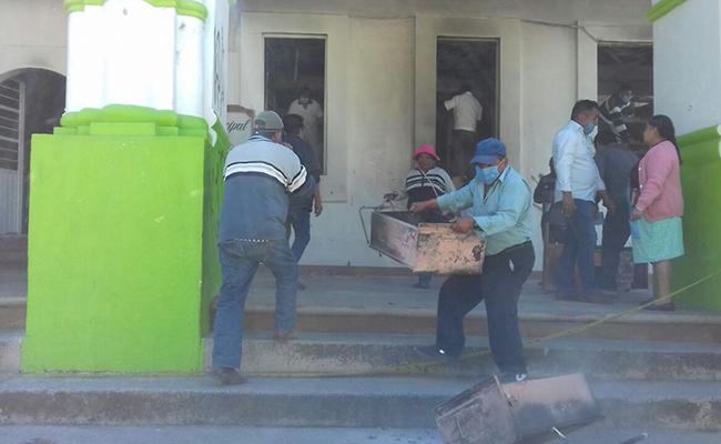 PGR entrega palacio de Nochixtlán