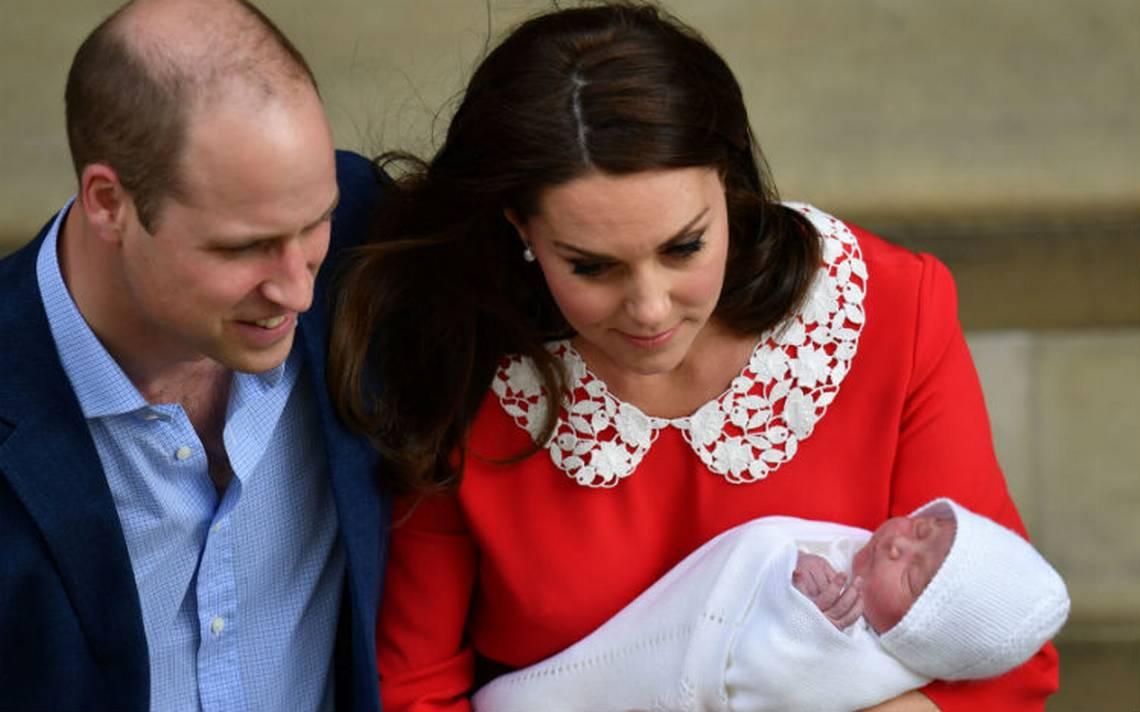 La duquesa de Cambridge sale del hospital y presenta por primera vez a su tercer hijo