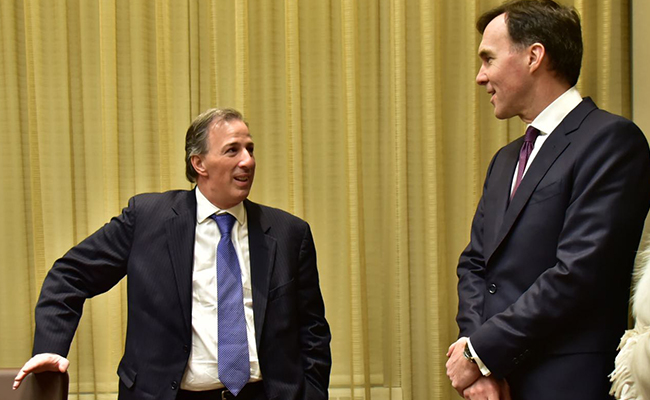 Meade coincide en reforzar lazos con ministro de Finanzas de Canadá