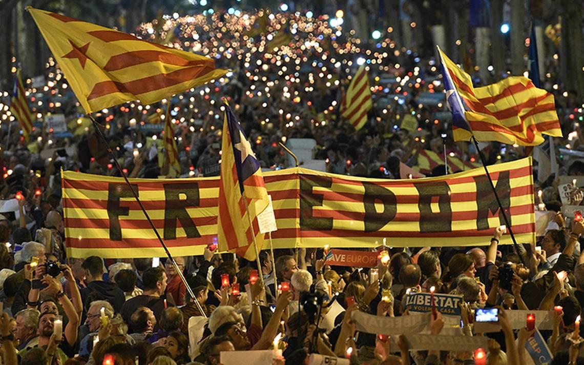 Suman 700 empresas que salen de Cataluña tras tensión independentista