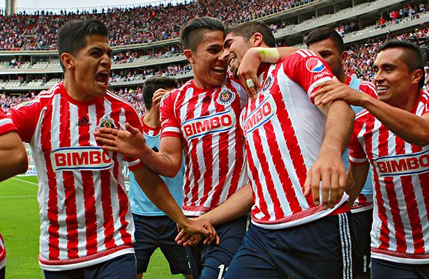 Chivas regresa a casa para quitarle lo invicto a Santos este domingo