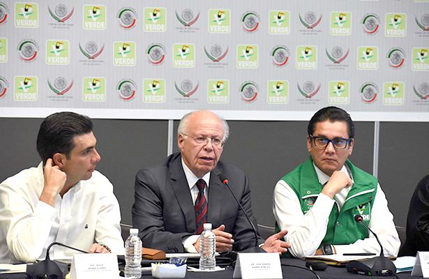 Desmiente Narro muerte de niños por quimios falsas en Veracruz