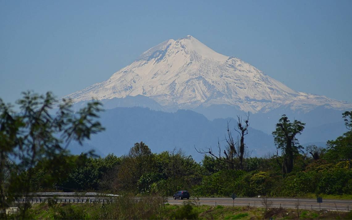 Cae avioneta en el Pico de Orizaba; hay dos muertos