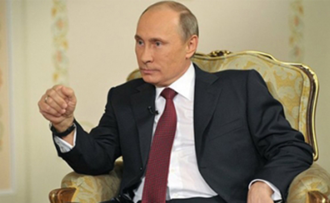 Rusia está dispuesta a dar asilo al exdirector del FBI, afirma Vladimir Putin