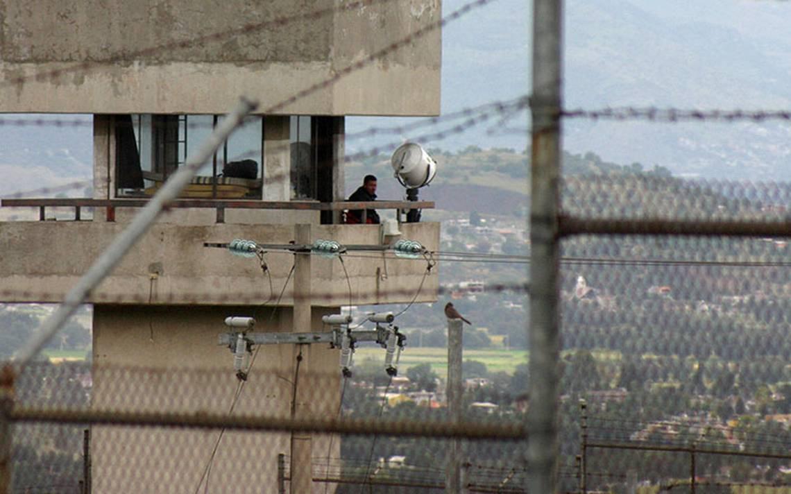 Reportan motín en penal de Chiconautla