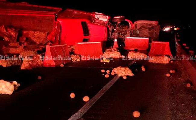 Accidentes bloquean por varias horas la Puebla-Orizaba