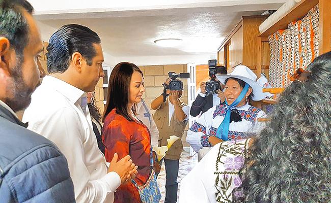 Inaugura Pancho Domínguez Red Eléctrica en Amealco