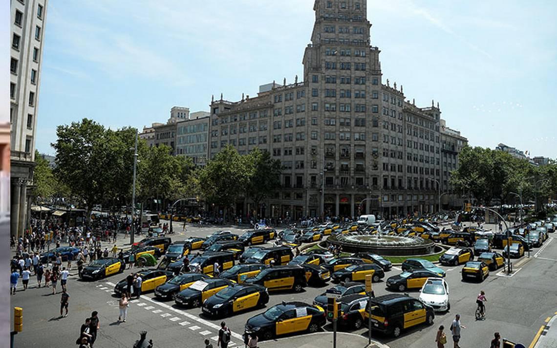 Huelga de taxistas contra Uber y Cabify se extiende por España
