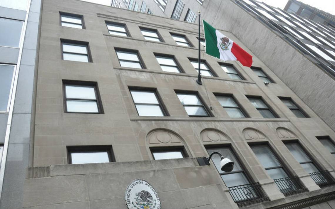 Estos son los teléfonos de emergencia de la red consular de México en EU ante el huracán Florence
