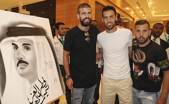 Piqué, Busquets y Alba visitan Qatar en medio de crisis diplomática