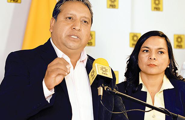 Pide Javier Salinas piso parejo en el PRD-Edomex