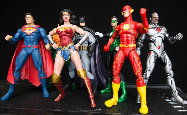 La Liga de la Justicia te pondrá a jugar con su nueva colección