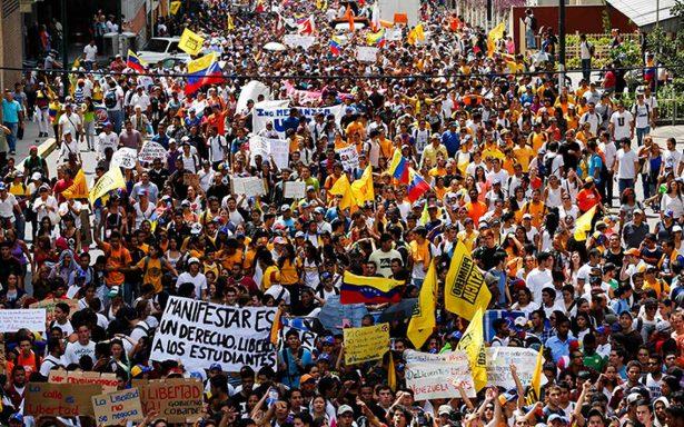 Venezolanos reciben atención y ayuda en un albergue de Cd. Madero