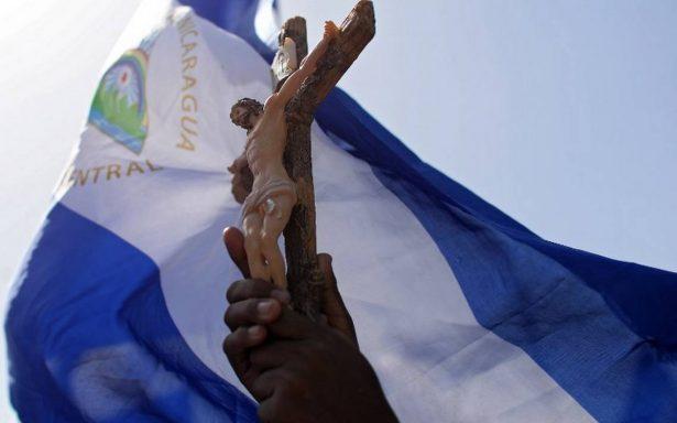 Paramilitares disparan contra vehículo de obispo de Nicaragua