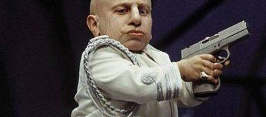 """Muere Verne Troyer, conocido por su papel """"Mini-Me"""" en Austin Powers"""