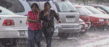Dos canales de baja presión mantienen potencial de lluvia en casi todo México