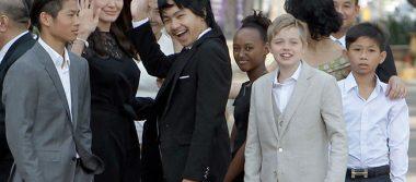 Angelina Jolie reaparece con sus hijos en estreno de filme