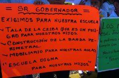Protestan por falta de apoyo de la SEP e INIFECH para escuela primaria José Emilio Grajales
