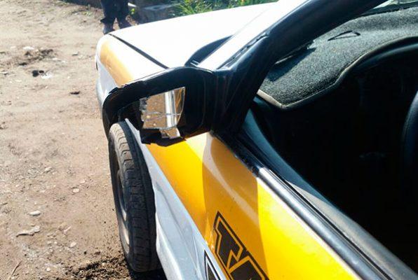 Taxista se impacta en camioneta